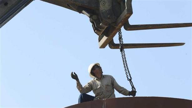 Mỹ cắt giảm sản lượng dầu mỏ: Nghịch lý