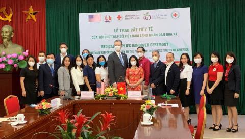 Việt Nam tặng Mỹ 420.000 khẩu trang y tế chống dịch covid-19