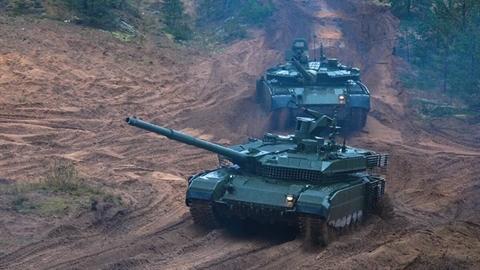 Ukraine lại cố dìm hàng T-90M của Nga