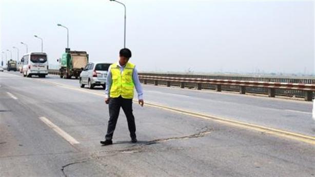Sửa mặt cầu Thăng Long: Chuyên gia Nga không quan tâm