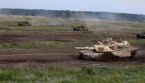 Mỹ mua vũ khí Nga để luyện bắn