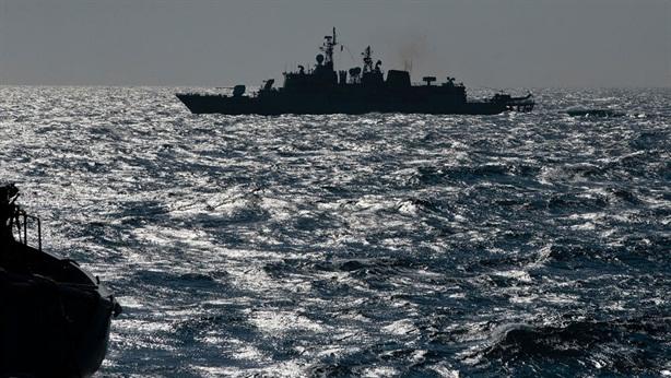 Hạm đội Nga đấu với tàu chiến NATO: Căng thẳng leo thang