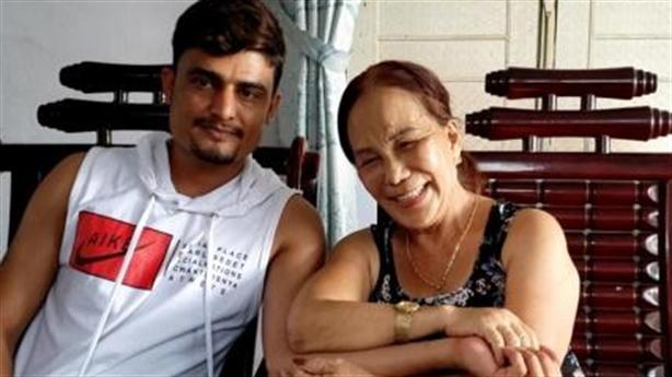 U70 lấy chồng ngoại 24 tuổi: Mãn nguyện chuyện vợ chồng