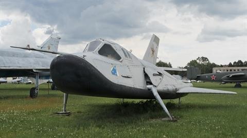 Mỹ sao chép MiG-105 Liên Xô để cho ra đời X-37B?