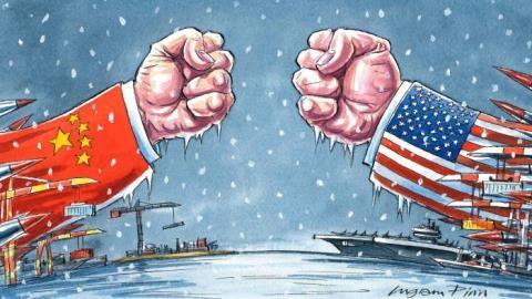 Trung Quốc nắn gân, Mỹ cân nhắc xuống tay