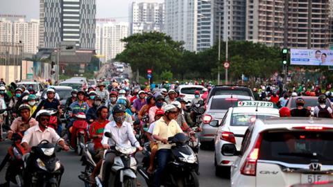 Đề xuất bật đèn xe máy cả ngày: Điều cần làm hơn...