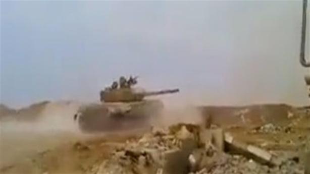 Đòn hiểm không hạ gục được T-72 Syria