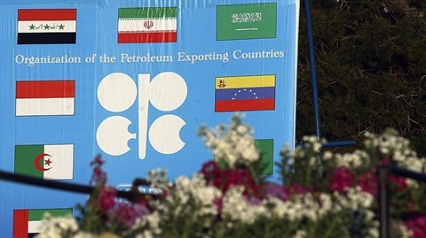 Giá dầu tăng nhẹ: Con người không thể quyết định thị trường