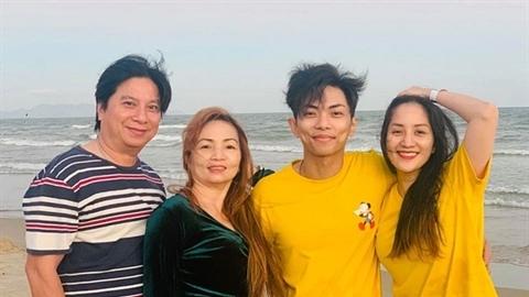 Sống chung, Khánh Thi nói thật về bố mẹ chồng