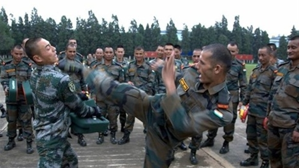 Trung-Ấn dồn quân tới sát biên giới