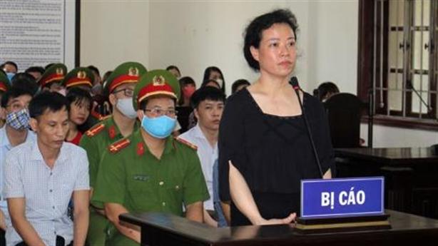 Bị cáo nói 'lưng thẳng thành khuyết tật' nhận 3 năm tù