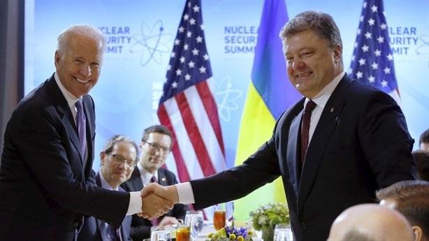 Ông Poroshenko phản pháo trước cáo buộc phản quốc