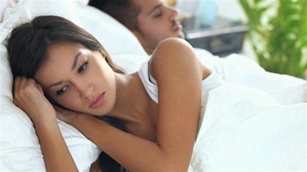 Đi xa cả năm mới về mà chồng không muốn gần tôi