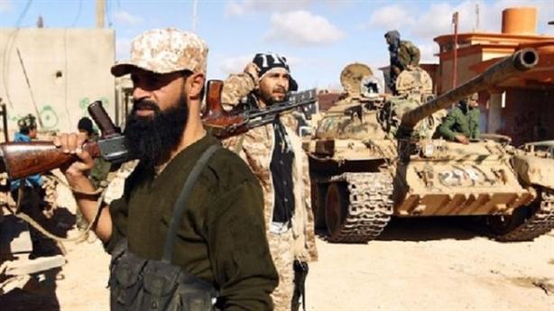 Các tay súng Nga rút khỏi Tripoli