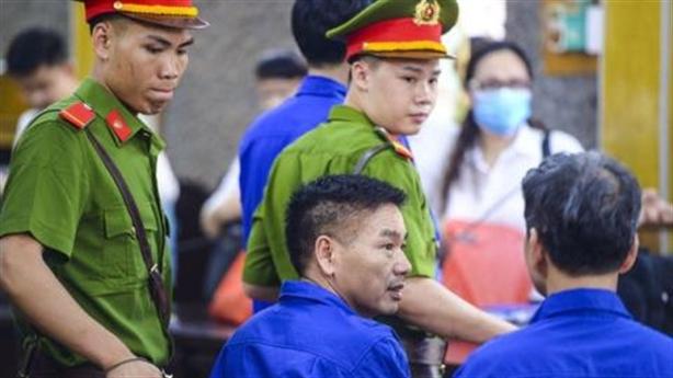 Sửa điểm thi ở Sơn La: Truy vấn đổ cho nhau