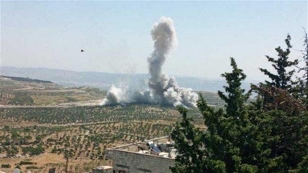 Máy bay Nga ném bom diệt IS sát biên giới Thổ