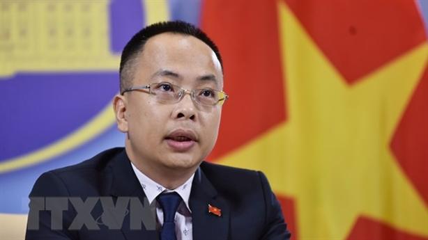 Việt Nam phản đối Trung Quốc trồng rau ở Hoàng Sa