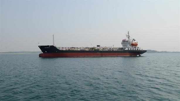 Thị trường xăng dầu Việt Nam khởi sắc