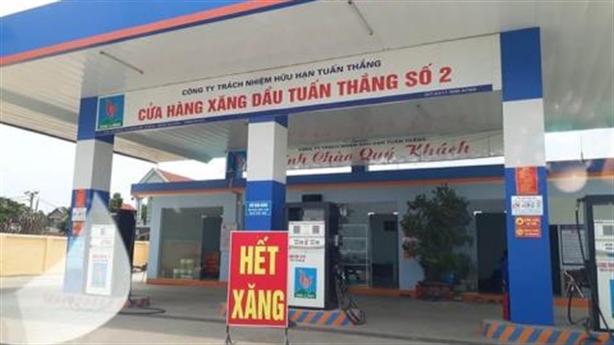 Loạt cây xăng bất ngờ đóng cửa: 'Không thể nhập được hàng'
