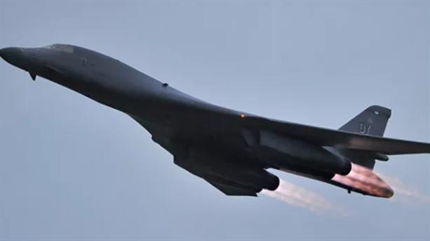 Tiêm kích Nga chặn oanh tạc cơ B-1B Mỹ trên Biển Đen