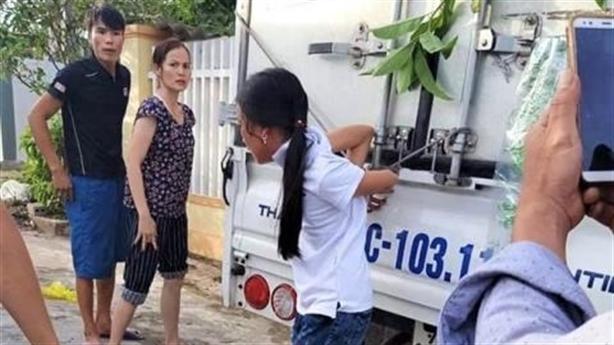 Trói con gái vì nghi trộm tiền: Người thân lý giải