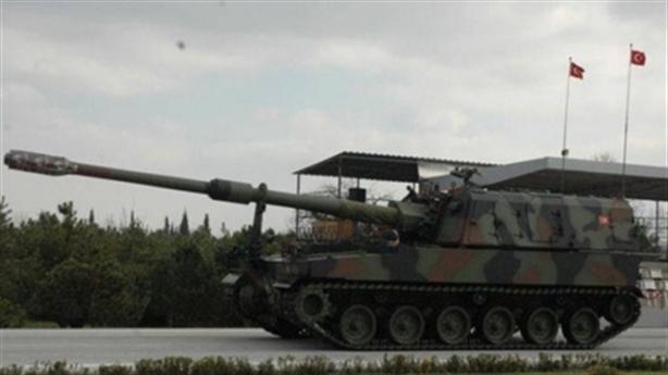 Thổ Nhĩ Kỳ đưa thêm vũ khí hạng nặng vào Syria