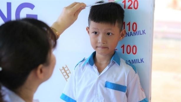 Vinamilk tặng món quà đặc biệt 1/6 tới trẻ em Quảng Nam