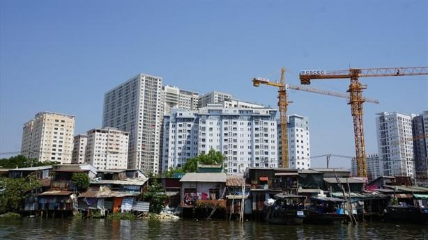 TPHCM 'vỡ' kế hoạch dời 2 vạn nhà ven kênh rạch