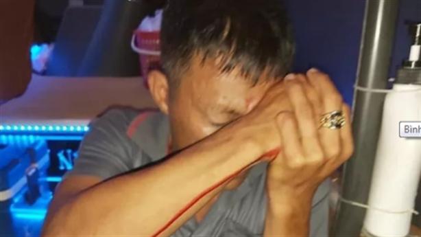 Phụ xe bị bắn vào mắt: Chỉ mời khách