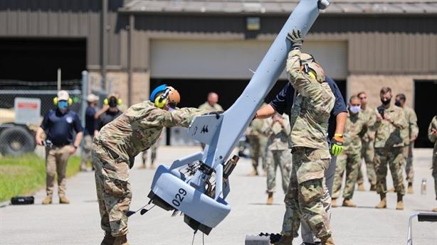 Mỹ thử thành công UAV phóng thẳng đứng như tên lửa