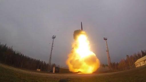 Học thuyết vũ khí hạt nhân mới của Nga: Lạnh lùng...
