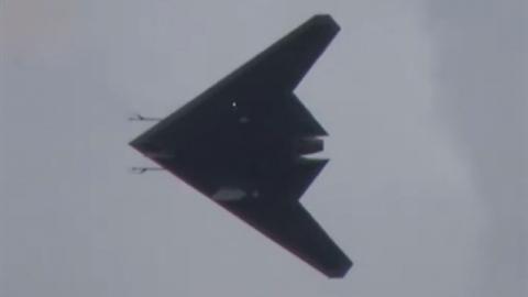 Tính năng gây choáng của UCAV Okhotnik, F-117 cũng thua