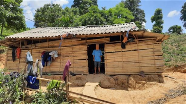 Người nghèo trích tiền 'uống nước' cho thôn: Nhạt miệng?