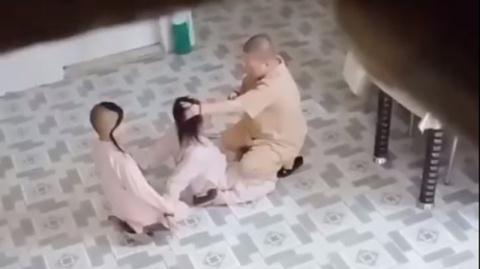 Sư cô bạo hành tiểu ni: Kỷ luật biệt chúng sám hối