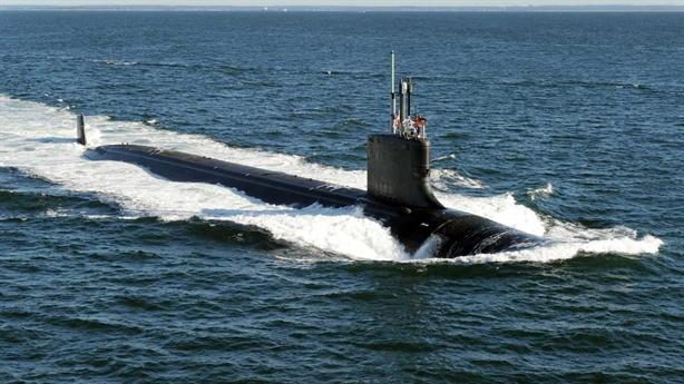 Lộ nguyên nhân tàu ngầm Mỹ không thể phá băng như Nga