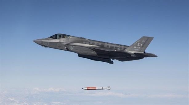 Mỹ công bố ảnh F-35 thử bom hạt nhân B61-12