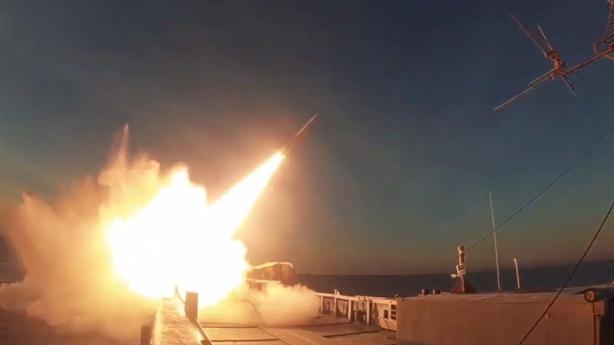 Iran khoét thêm vào nỗi đau Global Hawk của Mỹ