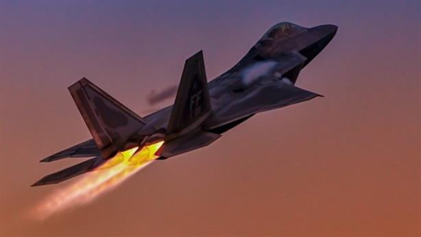 Nguy cơ với Mỹ khi F-22 thiếu động cơ thay thế