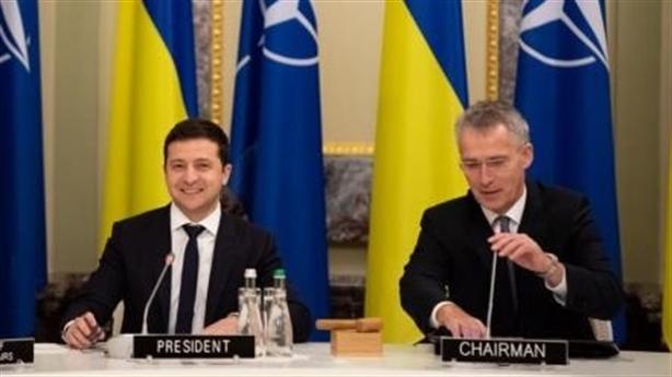 Ukraine không tuyệt giao với Nga: Kiev sợ tay trắng vào NATO