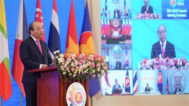 Thủ tướng: Luật pháp quốc tế chịu nhiều thách thức nghiêm trọng