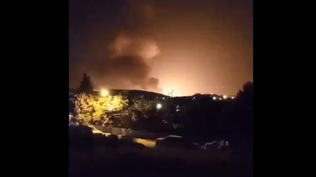 Clip vụ nổ bí ẩn rung chuyển Tehran