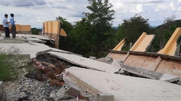 Công trình hơn 3 tỷ đổ sập sau...trận mưa: Giải thích lạ