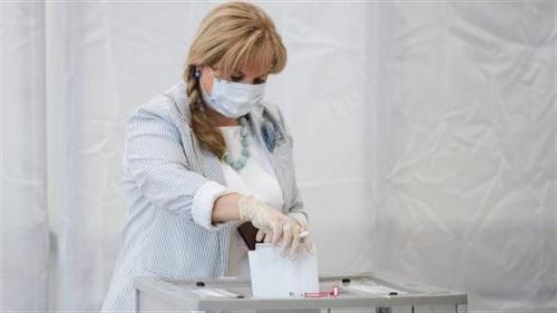Người Nga đi bỏ phiếu, xuất hiện hacker phương Tây