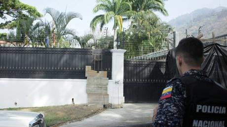 Ai đứng sau âm mưu lật đổ Tổng thống Maduro?