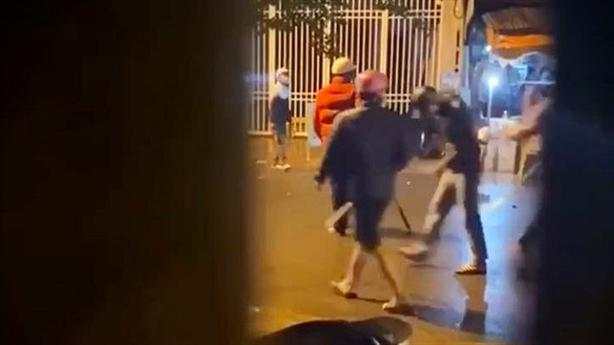 Hai băng nhóm áo đen hỗn chiến trong đêm: Tiếng la hét