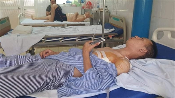 Nam sinh bị đâm khi bắt cướp tiệm vàng: Lời chân thành