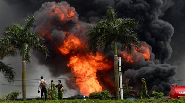 Cháy kho hóa chất Đức Giang:Rà soát toàn bộ tránh thảm họa