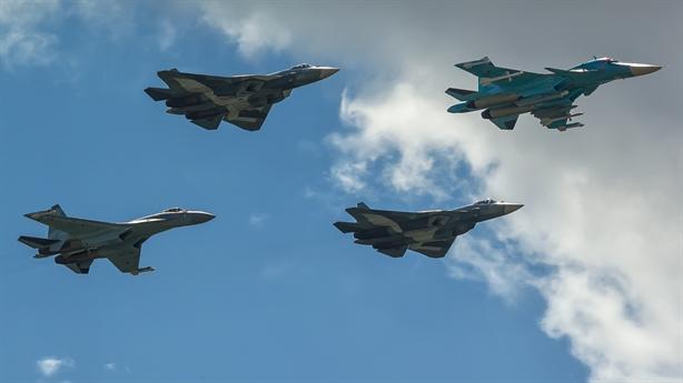 Su-57 làm tai mắt cho Su-35 khi chiến đấu