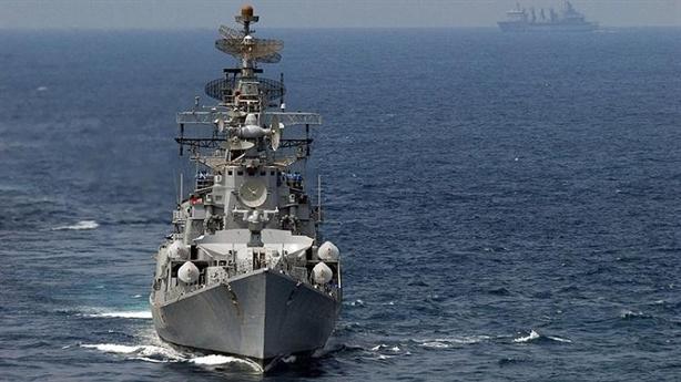 Chiến hạm Nhật - Ấn khai hỏa gần Eo biển Malacca