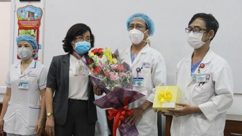 GĐ Sở Y tế xin rút khen thưởng: Thêm người thấy buồn!
